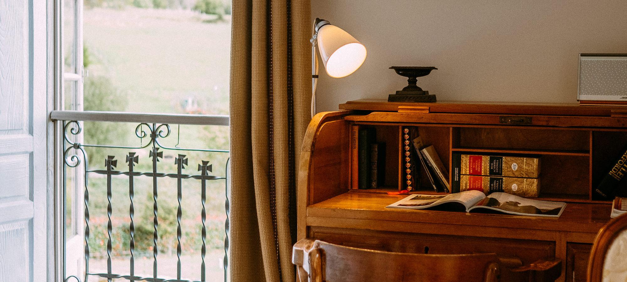 el gran sueño jardin bedroom desk