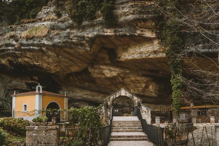 Santuario de la Virgen de la Cueva, Infiesto